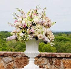 Lush garden altarpiece.  (flowers by Lee Forrest Design, photo by: The Nielsens Photography)