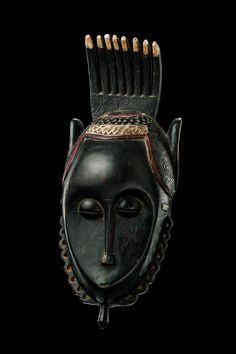 "Face mask ""gu"",  Côte d'Ivoire, Guro   Read more: http://www.tribal-art-auktion.de/en/catalogue174/d50_201/#ixzz3APJX69vU"