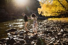 Fall Engagement Session outfits | Engagement Pictures | Fall pictures | Colorado Engagement Pictures | Fort Collins Photographer
