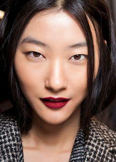Burgundy lips / Les lèvres bourgogne Max Mara FW 2014-2015