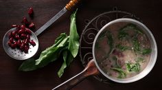 Sorrel and Kidney Bean Soup by greek chef Akis. This tasty soup is perfect for a weekday dinner. Radish Recipes, Soup Recipes, Cooking Recipes, Cantaloupe Recipes, Gnocchi Recipes, Kidney Bean Soup, Kidney Beans, Cheddarwurst Recipe, Frangipane Recipes