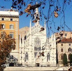 Chiesa del Sacro Cuore....LungoTevere vicino via Cola di Rienzo..