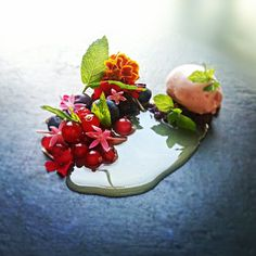 Strawberry, Wild berry, white chocolate by uwe spätlich, via Flickr