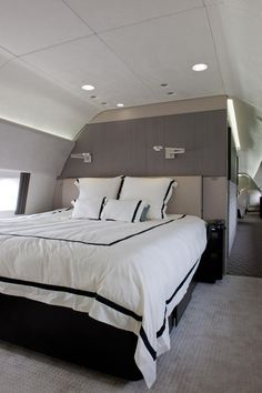 Most Expensive Private Jets - Boeing Business Jet 737 photos Jets Privés De Luxe, Luxury Jets, Luxury Private Jets, Private Plane, Luxury Yachts, Boeing Business Jet, Avion Jet, Private Jet Interior, Luxury Interior