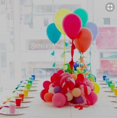 23 Easy-To-Make Baby Shower Centerpieces & Table Decoration Ideas Diy Baby Shower Centerpieces, Balloon Centerpieces, Baby Shower Favors, Baby Shower Themes, Shower Baby, Baby Showers, Rainbow Centerpiece, Masquerade Centerpieces, Wedding Centerpieces