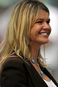 Corinna Schumacher Michael Best, Michael Schumacher, Car And Driver, Her Style, Turquoise, Lady, Sport, Deporte, Green Turquoise