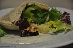 """@CookingDaybyDay """"Kebab"""" de Ensalada de Pollo y Salsa de Yogur #diadelaensalada"""