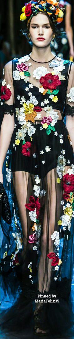 MARIA BONITA — Dolce & Gabbana Spring 2016 Ready-To-Wear...