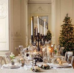 Delightful Christmas Tablescape! #holidaydecor #hdaltd #holidaytablescape