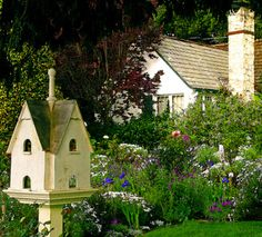 We have now established boundaries , an entrance and paths in our Cottage Garden. Examine the view from both inside the garden and inside the cottage. Style Cottage, Cozy Cottage, Beautiful Gardens, Beautiful Homes, Fairytale Cottage, Outdoor Living, Outdoor Decor, Garden Spaces, Dream Garden