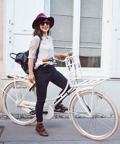 What these 5 fashion bloggers wear to ride their bikes