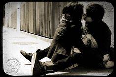 """Letta dal bravissimo Gianni Caputo una poesia d'amore di Paul Éluard.  Mi raccomando, iscrivetevi al canale YouTube di Gianni Caputo per seguire tutte le sue bellissime nuove uscite.  """"T'amo per tutte le donne che non ho conosciuto T'amo per tutte le stagioni che non ho vissuto Per l'odore d'altomare e l'odore del pane fresco Per la neve che si scioglie per i primi fiori Per gli animali puri che l'uomo non spaventa [...] """" #PaulÉluard, #giannicaputo, #poesia, #poesiarecitata, #amore…"""
