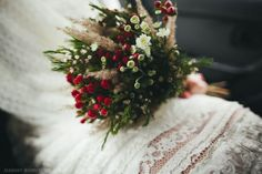 Some ideas for you rustic wedding bouquet. Interesting floral arrangments created with wild flowers, herbs, grasses or even fruits. Wedding 2017, Wedding Trends, French Wedding, Rustic Wedding, Chic Wedding, Martha Stewart Weddings, Sister Wedding, Green Wedding Shoes, Bridal Hair Accessories