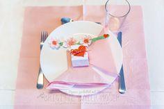 Tischdekoration Valentinstag   Mediendesign Moser Tableware, Food, Holidays, Valentines, Decorations, Dinnerware, Meal, Dishes, Essen