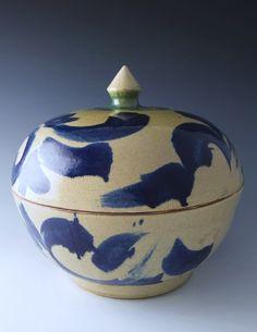 Pucker Gallery - Pottery of Onda Sarayama on the island of Kyushu in Japan - Stoneware Lidded Bowl