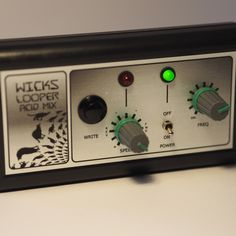I built one last Wicks Looper acid mix today. I'm happy with the new front panel labelling system.