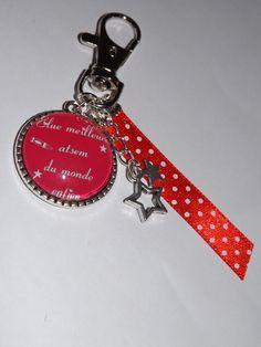 bijoux de sac * porte clé * cabochon verre 25 mm * meilleure atsem * ruban * rouge : Autres bijoux par fimoettout-image