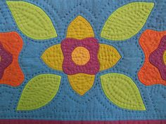 Along with continuing to work with appliqué, I am revisiting two other loves. shot cotton and hand quilting. They both make my heart sin. Machine Quilting Patterns, Hand Quilting, Quilt Patterns, Handmade Embroidery Designs, Quilting Projects, Quilting Ideas, Applique Quilts, Textile Art, Mini