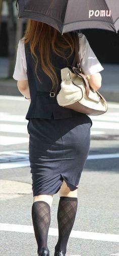 Karen O, Public, Legs, Nice, Skirts, Women, Fashion, Moda, Skirt