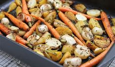 Young carrots, tender golden beets and cream-fleshed turnips are tossed with rosemary, vinegar and a bit of honey. A mouthwatering side dish! Roasted Root Vegetables, Veggies, Roasting Pan, Korn, Pot Roast, Beets, Vegetable Recipes, Smoothie, Carne Asada