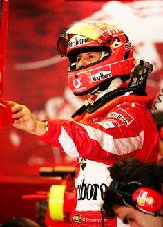 Michael Schumacher - legenda z Ferrari. http://manmax.pl/michael-schumacher-legenda-ferrari/