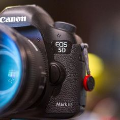 Our trusty combo Canon 5d Mark III + Sigma 50mm 1.4by @Rentorlend ☺️Tag a creative human #camera #gear #canon #sigma #lens #canoneos #canonphotography #canon5dmarkiii #5dmarkiii #cameras #bokehlicious #photographyislife