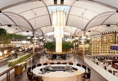 El local de El Nacional es un edificio emblemático y lleno de historia, testigo de la revolución industrial de Barcelona.
