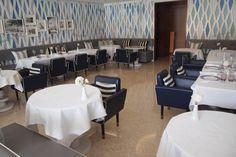 モナコで一番美味しかったレストラン@エルザ|Cielオフィシャルブログ「月に一度の世界スパ&ホテル巡り」Powered by Ameba Monaco, Conference Room, Restaurant, Table, Furniture, Home Decor, Twist Restaurant, Homemade Home Decor, Diner Restaurant