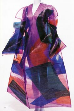 thenewyorkgroove:  Issey Miyake!! Very intricate and very unique.