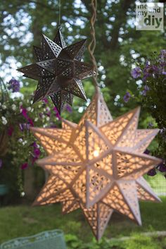 Origami Lamp Diy Star Lanterns Ideas For 2019 Paper Star Lanterns, Paper Lantern Lights, Diy Star, Christmas Crafts, Christmas Decorations, Paper Crafts, Diy Crafts, Wood Crafts, Origami Paper