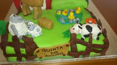 Farm animals cake.