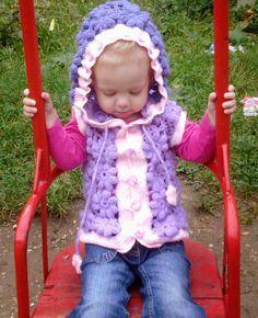 Hainute copii tricotate si crosetate la comanda: Vestuta crosetata cu flori Crochet Hats, Knitting, Fashion, Tricot, Knitting Hats, Moda, Fashion Styles, Breien, Stricken