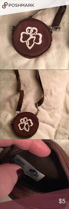 Brownies (Girl Scouts) coin purse Brownies coin purse.  Perfect for dues or for an outing. Looks new. Smoke free home. Girl Scouts Accessories Bags