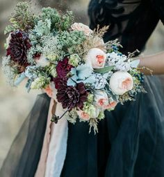 whi,says bouquets have to be round!