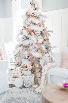 Amazing Winter White Christmas Decor Ideas - White Christmas style may work for those of you who have been taking a gander at Christmas arrangements as a task as of late and might want to leave f. Pink Christmas Tree Decorations, Elegant Christmas Trees, Christmas Arrangements, Noel Christmas, Beautiful Christmas, Winter Christmas, Holiday Decor, Christmas Mantles, Vintage Christmas