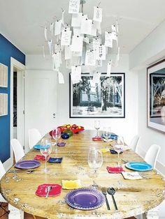 Dúplex en Lisboa: Comedor con sillas DSW, de Charles & Ray Eames