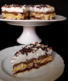 Myslíme si, že by sa vám mohli páčiť tieto piny - sbel Slovak Recipes, Czech Recipes, Russian Recipes, Y Food, Food And Drink, Sweets Recipes, Cake Recipes, Bueno Cake, Tiramisu Trifle