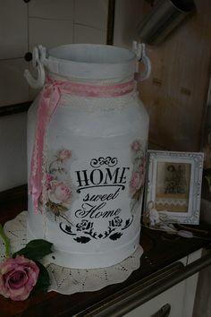 Vintage Milchkännchen - alte Milchkanne im Shabby Styl - ein Designerstück von Ideenschmiede02 bei DaWanda