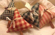 HANDMADE Four Primitive Homespun Fabric Christmas trees #NaivePrimitive