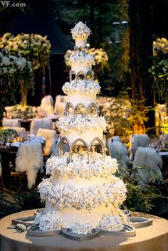 Cake by Perfect Endings | The six-tier, nine-foot-tall wedding cake | Sean Parker Weddiing $13,000.
