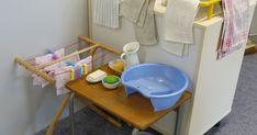 """Depuis le début de l'année, je souhaitais mettre en place les deux ateliers """"lavage de la table"""" et """"lavage du linge"""" dans ma classe. Après..."""