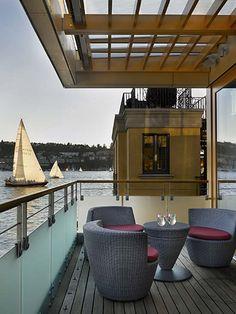 Lake Union Floating House Design