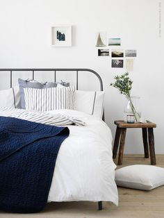 KOPARDAL ramar in IKEA Sverige Livet Hemma Bedrooms, Interiors and Room Hello! Here we have best wallpaper about ikea beds. Ikea Bedroom Design, Home Decor Bedroom, Bedroom Plants, Modern Bedroom, Cama Ikea, Bed Ikea, Home Interior, Interior Design, Blue Bedroom