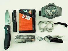 Benchmade••'Doug Ritter' Mini Griptilian + Streamlight••Microstream + Recycled Firefighter••Sergeant Slim Wallet + Leatherman••Juice CS4 + Kochtools••SOLO edc 2.0 + Casio••GShock GAC100-8A + Keys
