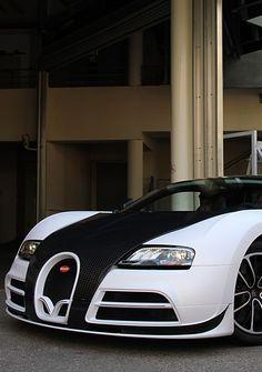 bugatti veyron vs lamborghini aventador vs lexus   lexus lfa