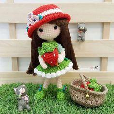 Hellllllooooooo! I'm Nina the lovely girl who love strawberry so much