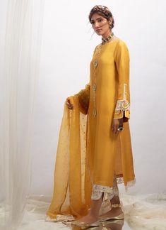 Mustard raw silk shirt with dupatta Pakistani Fashion Casual, Pakistani Dresses Casual, Pakistani Bridal Dresses, Pakistani Dress Design, Indian Dresses, Indian Outfits, Indian Fashion, Sleeves Designs For Dresses, Mehndi