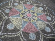 Sidewalk Chalk Mandalas for #Kids