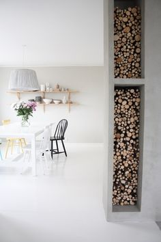 How to store wood for the wood burning stove Office Gadgets, Home Gadgets, Kitchen Items, Beautiful Space, Household Items, Scandinavian Design, Home Office, Home Improvement, Indoor