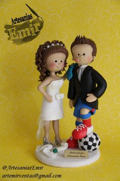 Novios personalizados  #masaflexible #porcelanafria #coldporcelain #fimo #arcillapolimerica #polymerclay #handmade #handcrafted #hechoamano #hechoenvenezuela #madeinvenezuela #love #amor #torta #weddingcake #wedding #weddingtopper #caketopper #topedetorta #weddingdesign #Boda #BodasenVenezuela #Novia #Novias #bodasvzla #bodas2014 #noviospersonalizados #novios #ArtesaniasEmir